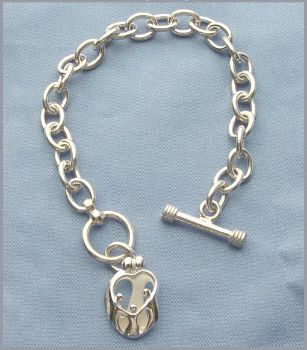 Picture of Silver Parents and Three Children Toggle Bracelet