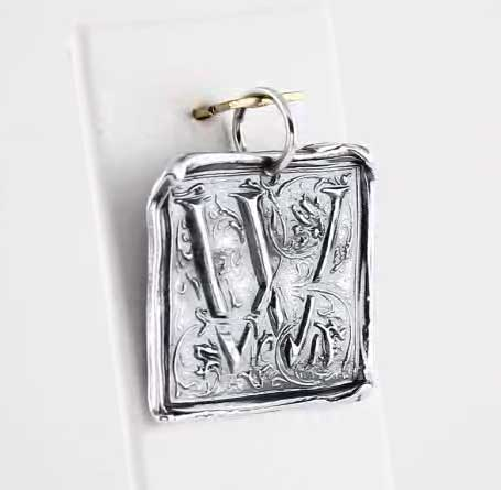 Picture of Initial W Vintage Pendant