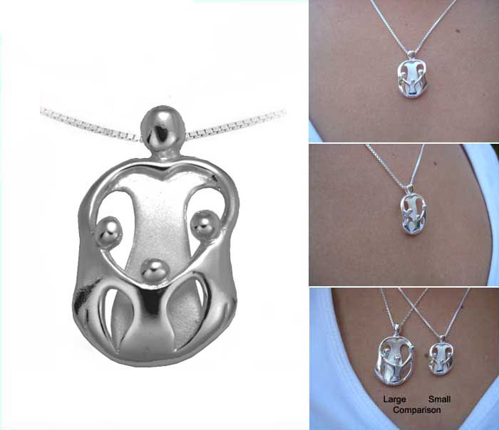 Picture of Small Mother and Three Children Pendant