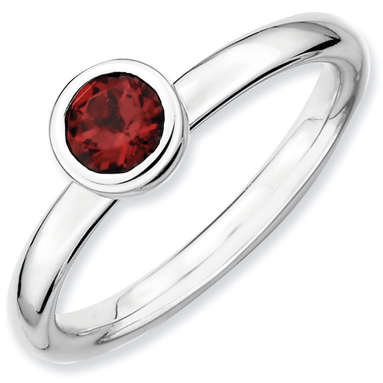 Picture of Silver Ring Low Set 5 mm Garnet stone