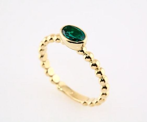 Picture of Gold Stackable Ring 1 Oval Stone
