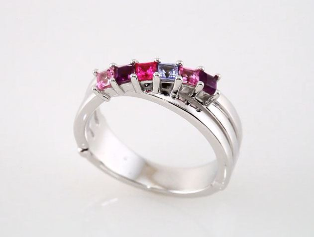 Picture of 14K Gold 4 to 6 Square Stones Mother's Ring