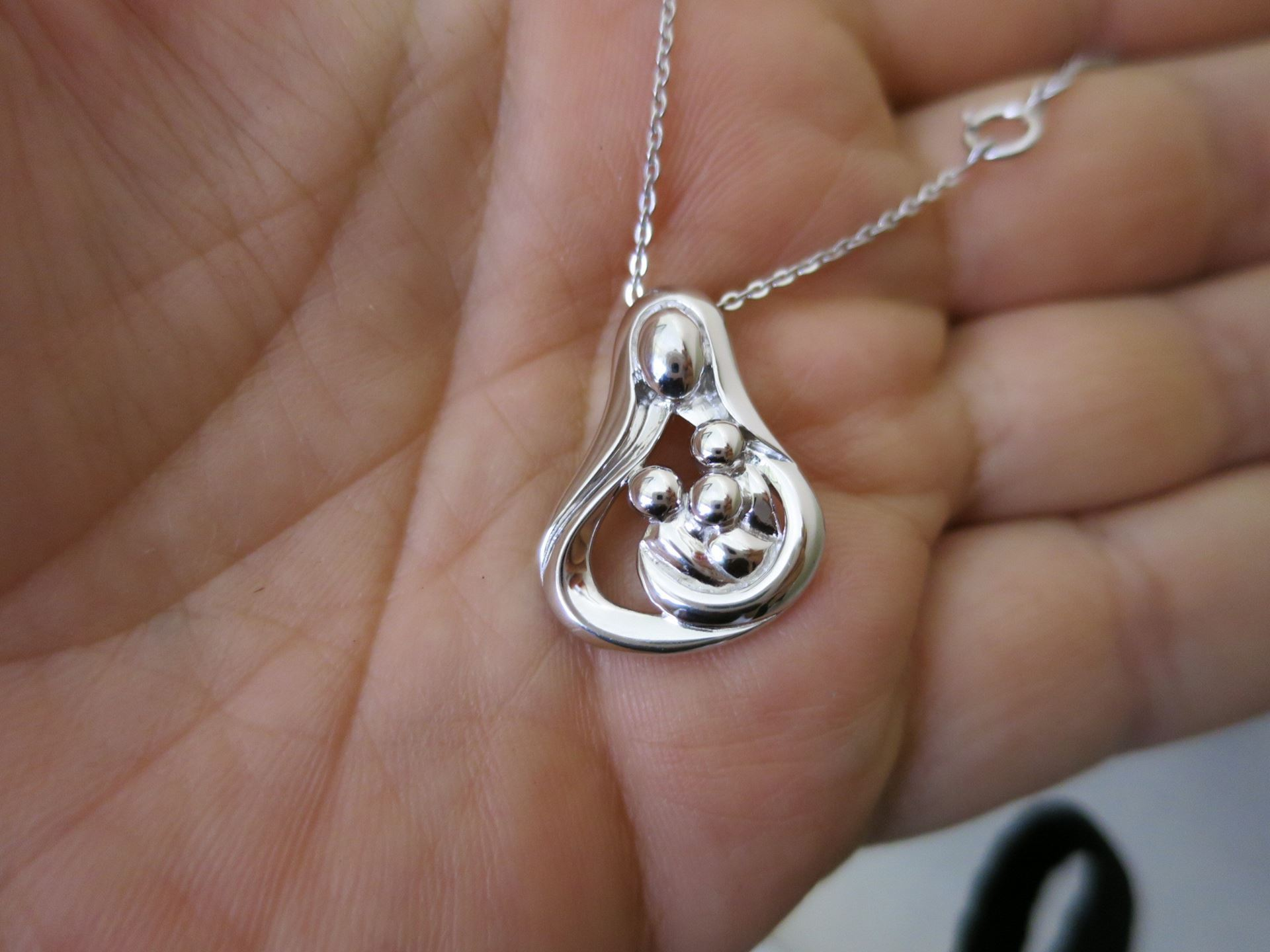 Picture of Silver Mother and 3 Children Necklace