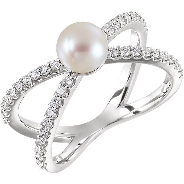 Picture of 14K Gold Freshwater Cultured Pearl & 1/3 CTW Diamond Ring
