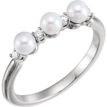 Picture of 14K Gold Freshwater Cultured Pearl & .06 CTW Diamond Ring