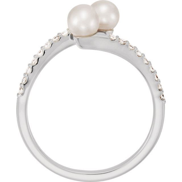 Picture of 14K Gold Freshwater Cultured Pearl & 1/10 CTW Diamond Ring