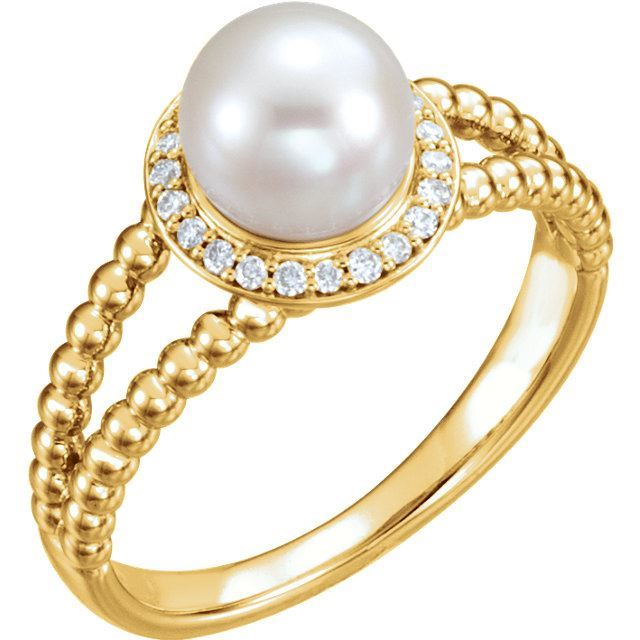 Picture of 14K Gold Freshwater Cultured Pearl & 1/8 CTW Diamond Ring