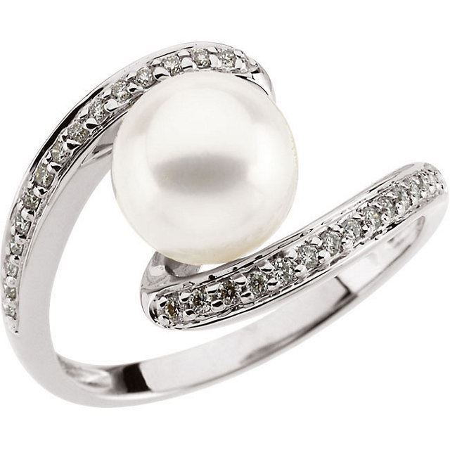 Picture of 14K Gold Freshwater Pearl & 1/6 CTW Diamond Ring