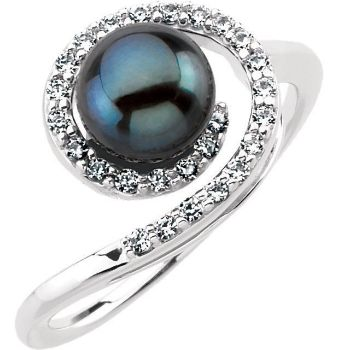 Picture of 14K Gold Akoya Cultured Black Pearl & 1/4 CTW Diamond Ring